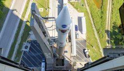 """ناسا تطلق مسبار """"لوسي"""" لدراسة الكويكبات حول كوكب المشتري"""