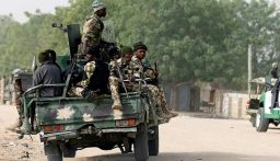 مسلحون يهاجمون سجناً نيجيرياً ويهرّبون مئات المساجين
