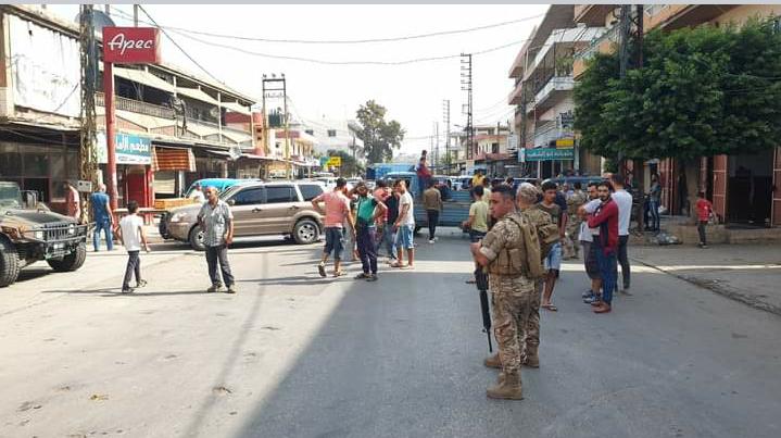 محتجون قطعوا طريق عام حلبا ومطالبة بالإفراج عن موقوفي الحصنية